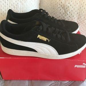 PUMA - Puma Black + Puma White *SLIGHTY USED*